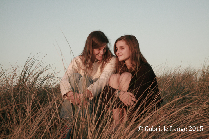 Mother daughter portrait by the beach. © Gabriele Lange 2015